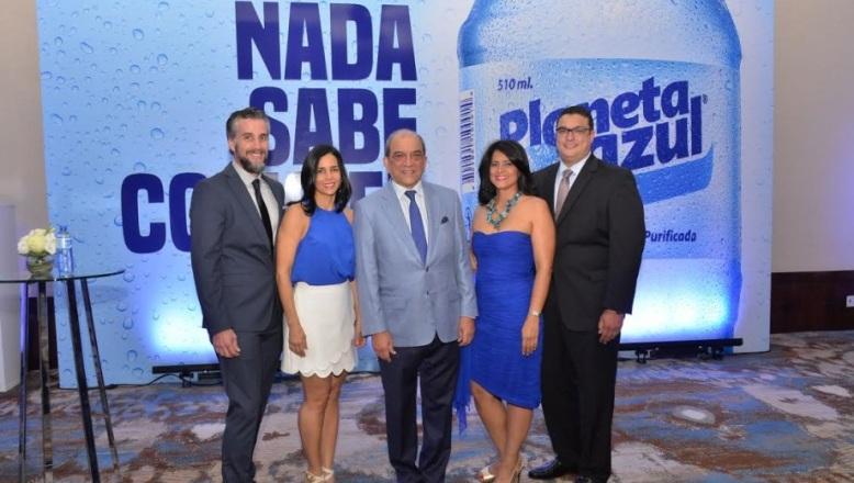 """Lanzan campaña: """"Nada sabe como el agua Planeta Azul"""""""