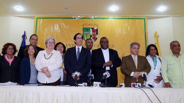 GOBIERNO SOLICITA RETOMAR EL DIÁLOGO CON TODOS LOS GREMIOS DE SALUD PD