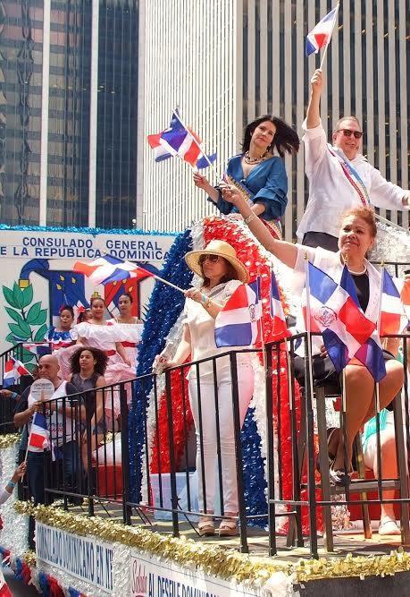 """El cónsul Eduardo Selman: """"Dominicanos demostraron orgullo patriótico al participar en Desfile Dominciano de Nueva York"""