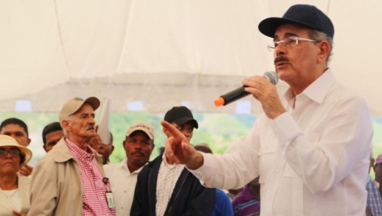 Medina lanza proyecto en Hondo Valle para restaurar riqueza forestal de las montañas