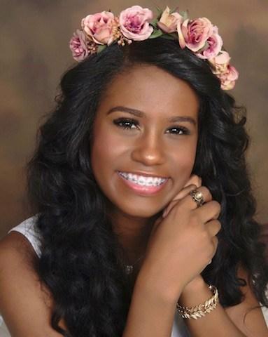 """Princesa """"Miss Philadelphia 2016"""" Jennifer Rodriguez un orgullo hispano FILADELFIA, PA.- Honor a quien honor merece, la joven adoslecente Jennifer Rodriguez que obtuvo el titulo y coronada como Prencesa del certamen de la belleza dominicana """"Miss Philadelphia 2016"""", fue calificada como un orgullo hispano en esta ciudad. Las calificaciones de Jennifer Rodriguez de 15 años de edad, provienen de sus cualidades excepcionales como ser humano. Esta joven, estudiante sobresaliente, nacida el 2 de octubre del año 2000 en San Francisco de Macoris, Republica Dominicana, a su corta edad, tiene un largo historial de virtudes y triunfos sociales y academicos en Estados Unidos. Jennifer Rodriguez hija única lleva 11 años viviendo en Filadelfia en compañía de sus padres, la doctora Jacqueline Febles y el señor Carlos Rodriguez, quienes calificaron a su criatura como una niña disciplinada, tranquila, decente, amistosa y bien aplicada en sus estudios. Desde el inicio de su formacion intelectual en Filadelfia, Jennifer Rodriguez ha sido una estudiante meritoria, ganadora de muchos honores en su escuela*North East Magnet* donde está inscrita en un programa de escuela secundaria para jovenes estudiantes de alto rendimiento academico. Ha obtenido tres veces (2013-2014 y 2015), el primer lugar en el Concurso Nacional de Historia Americana auspiciados por Mille Ville College, en los cuales ha participado, representado a Filadelfia. Jennifer gano el tercer lugar en el Concurso Nacional de Ciencias *Washington Carver*, auspiciado por la prestigiosa Temple University. Posee un certificado a la Excelencia Academica, firmado por el Presidente Norteamericano, Barack Obama. Jennifer recibio esta distincion por sus notas sobresalientes, cuando se graduo del Septimo Grado (2013) en la escuela Williams Cramp, situada en las calles Howard y Ontario al norte de la ciudad. En el ano 2014, Jennifer Rodriguez asistio a una conferencia de la Organización de las Naciones Unidas (ONU), como parte de un gru"""
