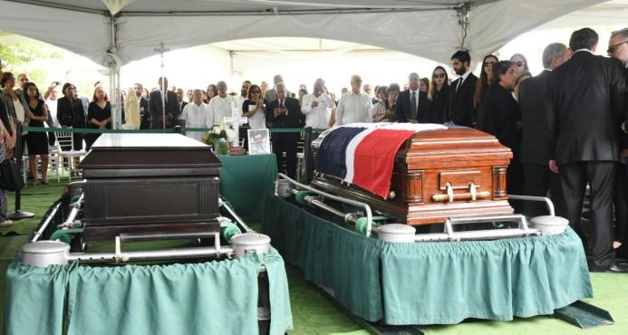 Sepultan los restos de Hatuey y Luis Alberto De Camps