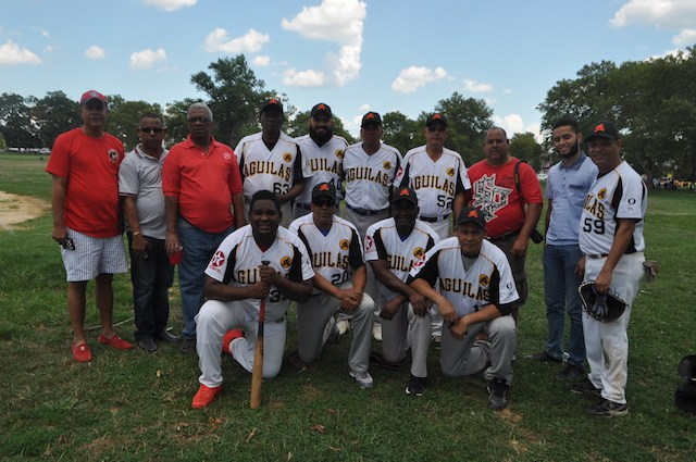 Softball Chata; Santiago RD y Filadelfia dividen honores