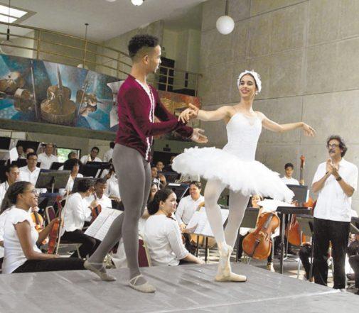 Ministerio de Cultura y Escuelas de Bellas Artes inician clases con actividad artística