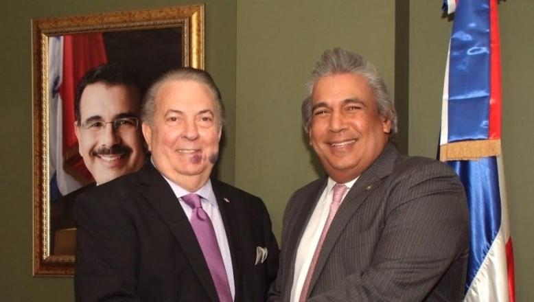 Eduardo Selman recibe al nuevo cónsul en NY Carlos Castillo Almonte