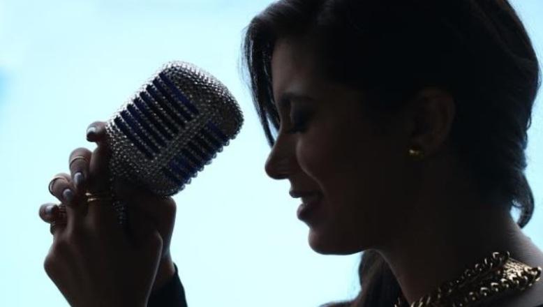 Janette Márquez graba tema de Juan Lockward en bachata