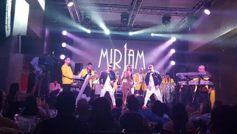 La Diva del Merengue Miriam Cruz abarrota Hard Rock Café