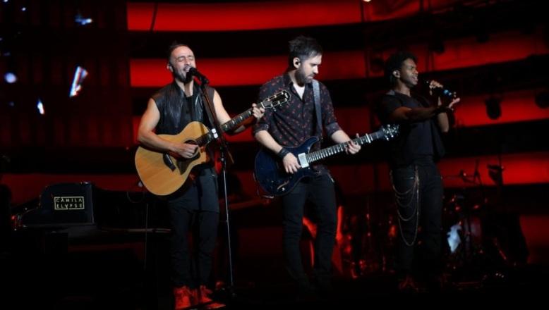 Camila y Montaner dos exitosos shows que  se disfrutaron en un mismo escenario