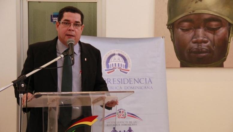 Vicepresidencia lleva exposición pintura por los valores a Santiago