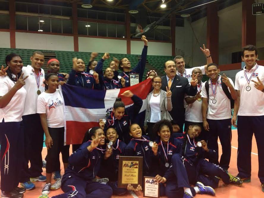 RD revalida el título continental de voleibol