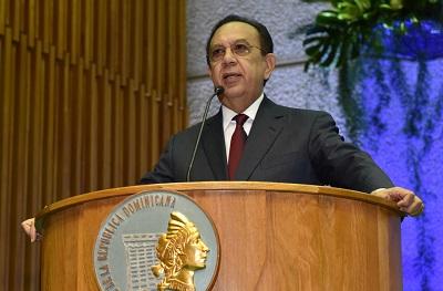 Gobernador del Banco Central detalla aportes del Turismo al incremento del PIB de RD