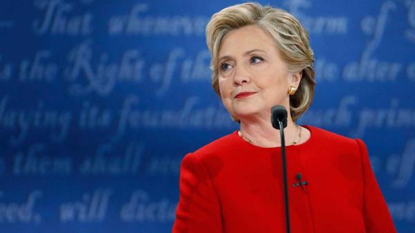 Clinton pide al FBI que publique información que tenga sobre ella