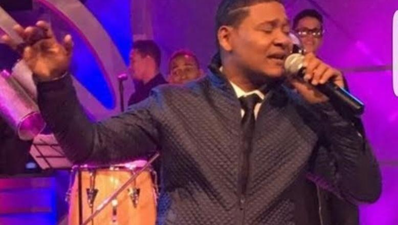 """El Jeffrey prepara disco """"inmortal"""" para Juan Gabriel y firma con Major League Booking"""