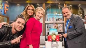 Hacen bailar a Hillary Clinton en El Gordo y La Flaca (VIDEOS Y FOTOS)