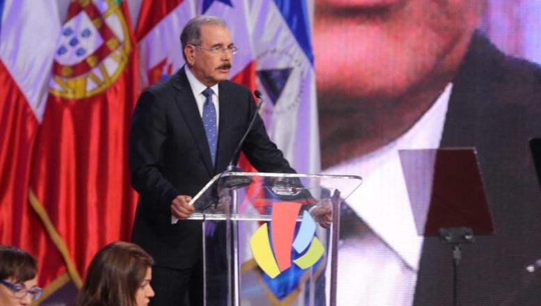 Medina llama a solidarizar financiamientos y a establecer reglas claras