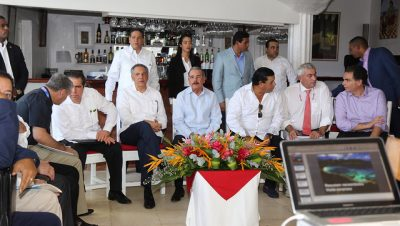 En visita sorpresa, Medina invita a comunidad de Las Terrenas a ser parte del despegue turístico