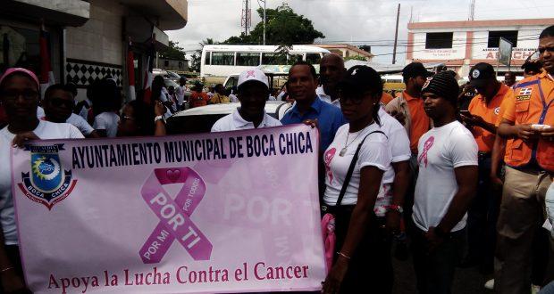 Alcalde Radhames Castro llama a tomar consciencia en la prevención del cancer