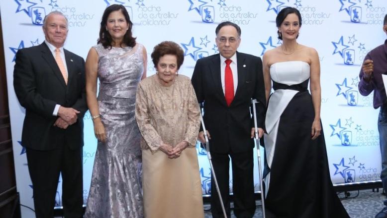 Rehabilitación realiza tradicional Cena de Gala Noche de Estrellas Solidarias