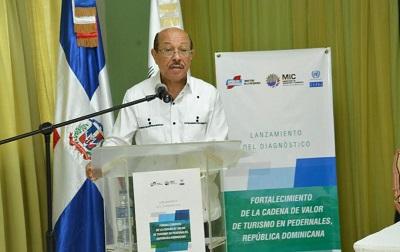 """Ministro Temístocles Montás presenta estudio de la Cepal """"Cadena de Valor de Turismo en Pedernales"""""""