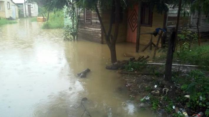 32.000 desplazados y zonas colapsadas provocaron las intensas lluvias en República Dominicana