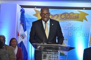 Alcalde SDE presenta sus 100 días de gestión