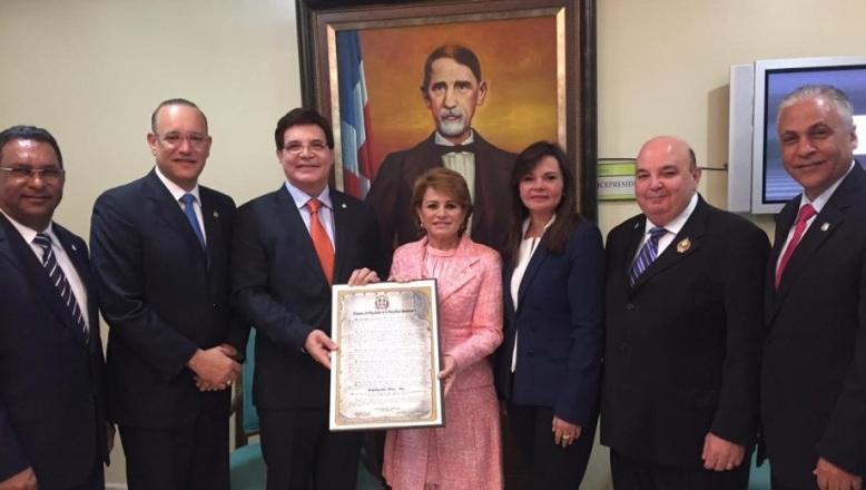 Cámara de Diputados reconoce a Fundación Rica