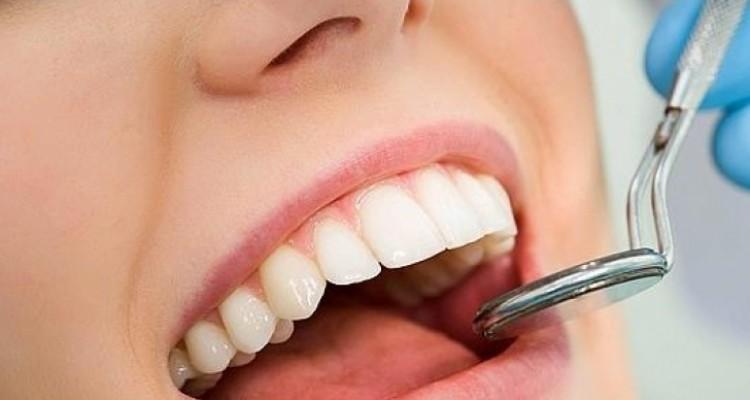 Personas con diabetes corren riesgo de tener infecciones en la boca