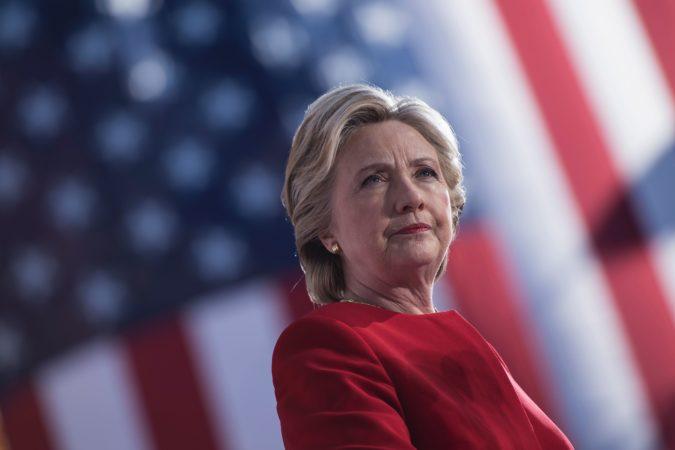 Estimaciones antes del cierre de las urnas dan a Hillary Clinton como ganadora