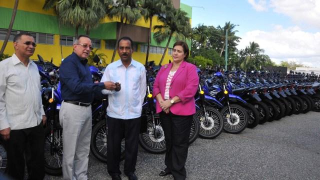 Unidades motorizadas reforzarán programas sanitarios y de reforestación del Gobierno