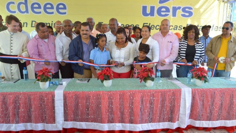 UERS electrifica varias comunidades en provincia Elías Piña