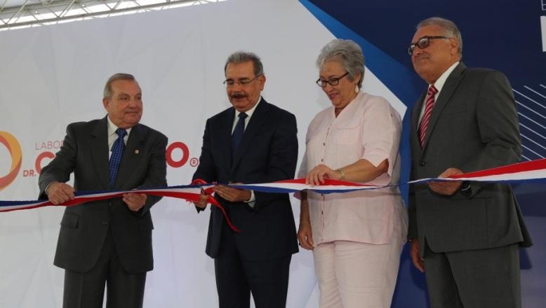Nueva planta Laboratorios Dr. Collado creará 200 empleos; Danilo Medina asiste a inauguración