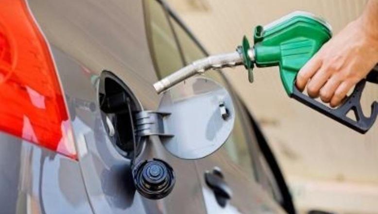 El Gobierno rebaja entre RD$3.00 y RD$1.00 a los combustibles, excepto el gas natural
