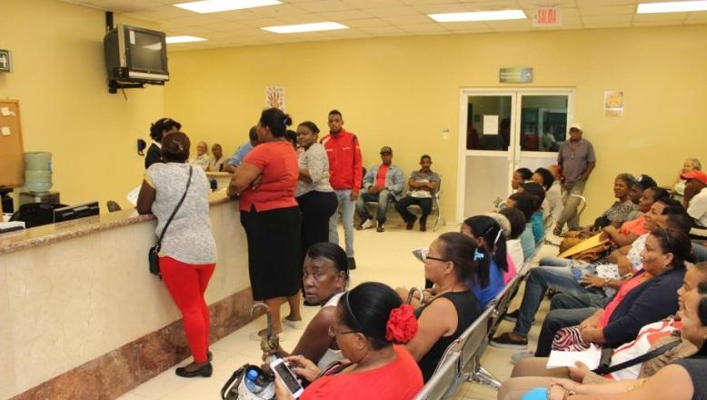 Hospital Ney Arias Lora recibe aumento demanda de asistencia en fisiatría y rehabilitación