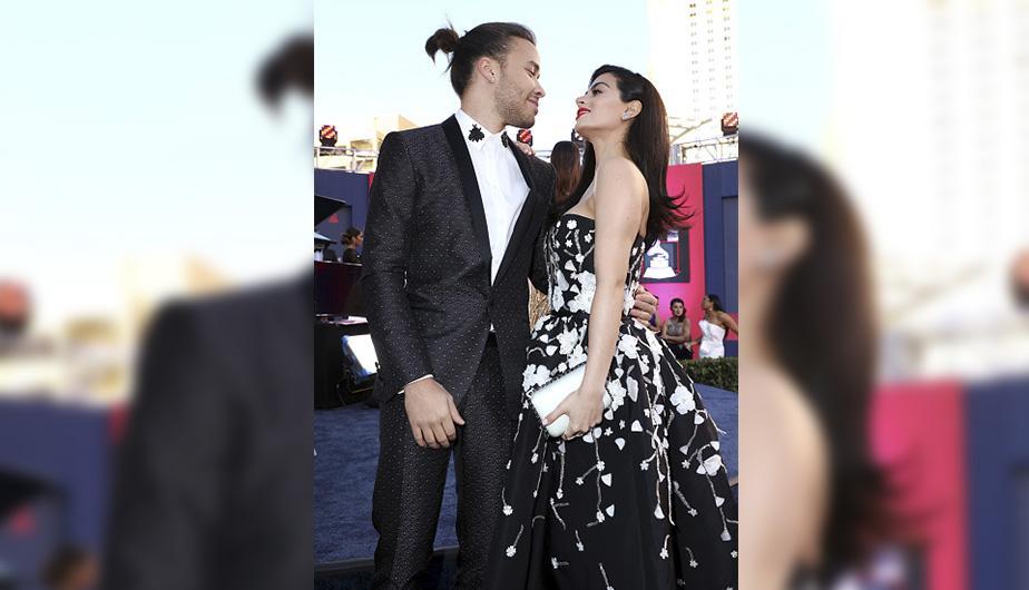 Prince Royce sorprende en los Latin Grammy con cambio de look