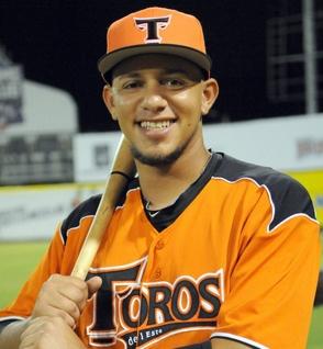 Raul Valdez tira bien, Toros derrotan Estrellas