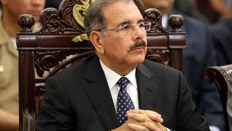 Danilo Medina lidia con delincuencia, supuestos sobornos y ataques de adversarios