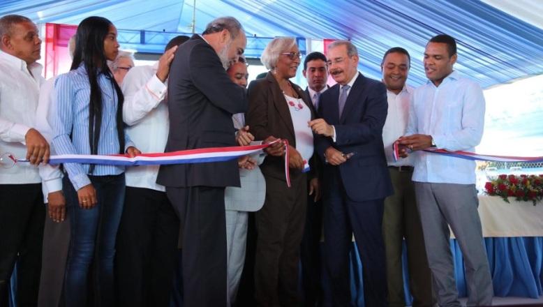 Presidente Danilo Medina entrega a Jimaní el Hospital General Melenciano