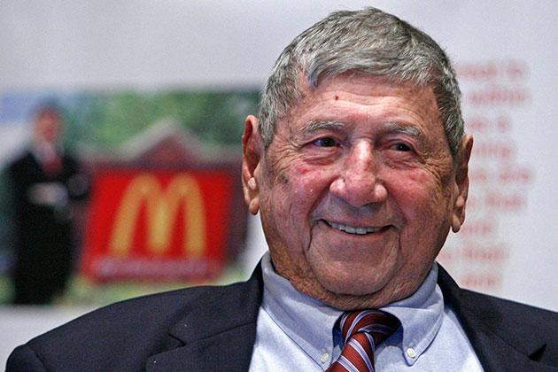 Fallece el creador de la hamburguesa Big Mac de McDonald's a sus 98 años