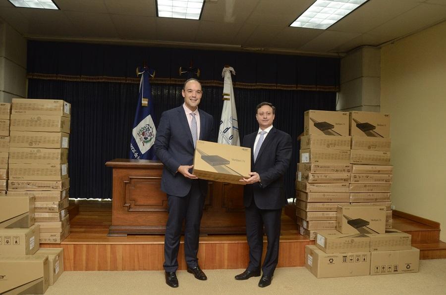 Indotel inicia entrega de 1,000 computadoras por valor de RD$23 millones a la Procuraduría General de la República