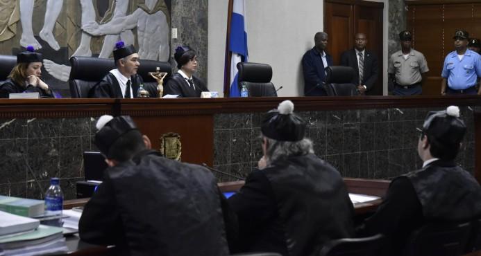 Transportistas recusan a jueces en caso del CONEP y las empresas choferiles