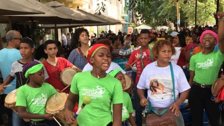 Enfermeras y feministas piden a Danilo Medina vetar Ley modifica Código Penal
