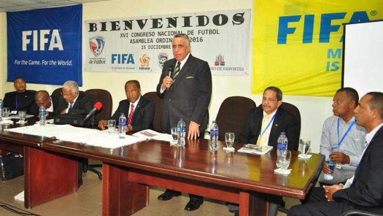 Asamblea de la FEDOFUTBOL suspende al dirigente deportivo Rafael Polanco