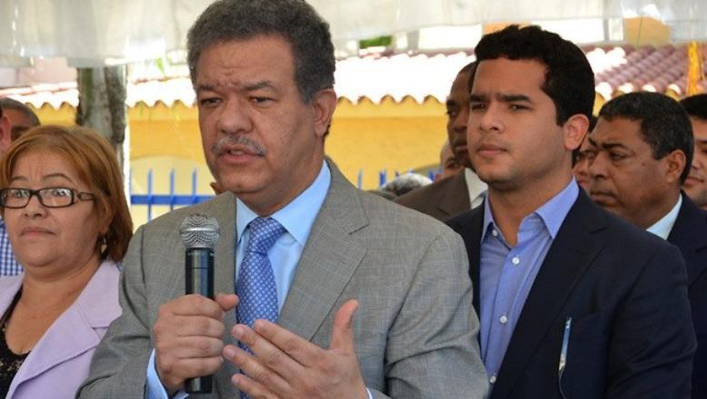 Hijo de Leonel Fernández confiesa que se siente cautivado por la política