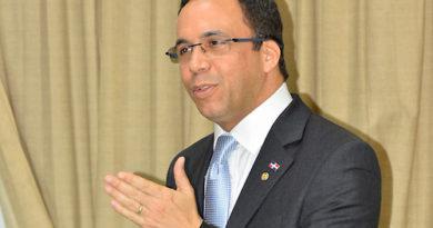 """Navarro asegura República Dominicana """"saldrá del sótano"""" en calidad educación"""