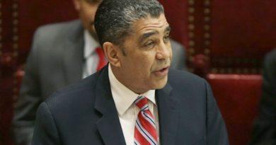 Senador Adriano Espaillat felicita a Barack Obama por indulto a Oscar López Rivera