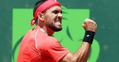 Víctor Estrella avanza segunda Ronda del Australia Open por primera vez