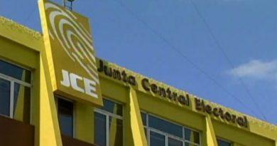 Exhortan JCE integre comité de compras respetando la Ley 340-06