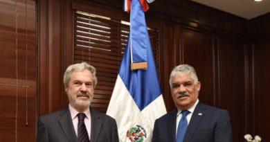 Canciller Vargas se reúne con Secretario General de la OEI, Paulo Speller