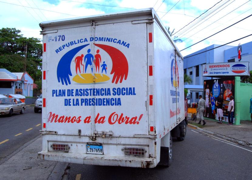Plan Social  de la Presidencia envía alimentos para afectados inundaciones de Puerto Plata