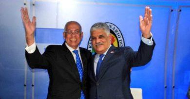 Fidias Aristy ingresa a las filas del PRD; Vargas le toma juramento